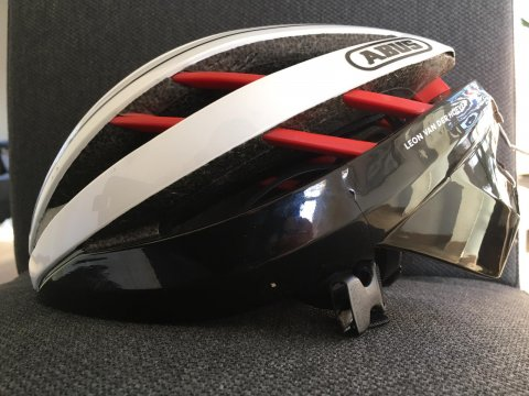 Abus helm na ongeval